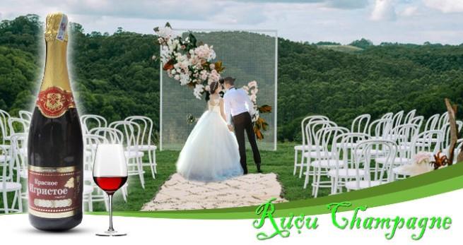 rượu sâm banh đám cưới