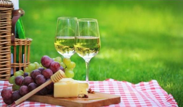 rượu vang trắng ngon